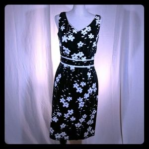 Donna Ricco Floral fitted shift dress black white